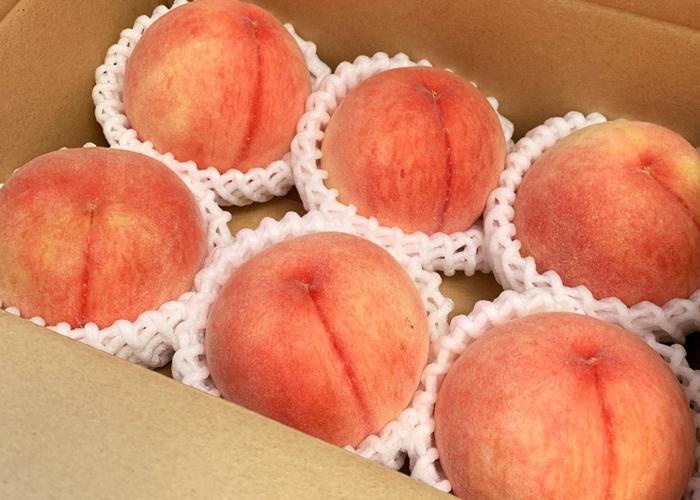 「八旗農園」さんで購入した桃